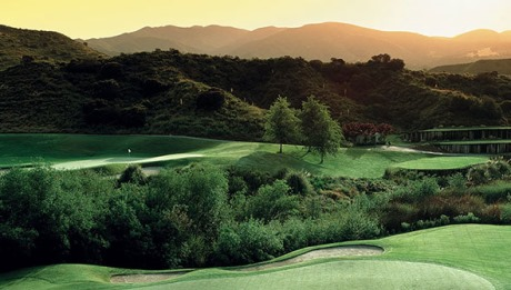 Play a round at Dove Canyon!